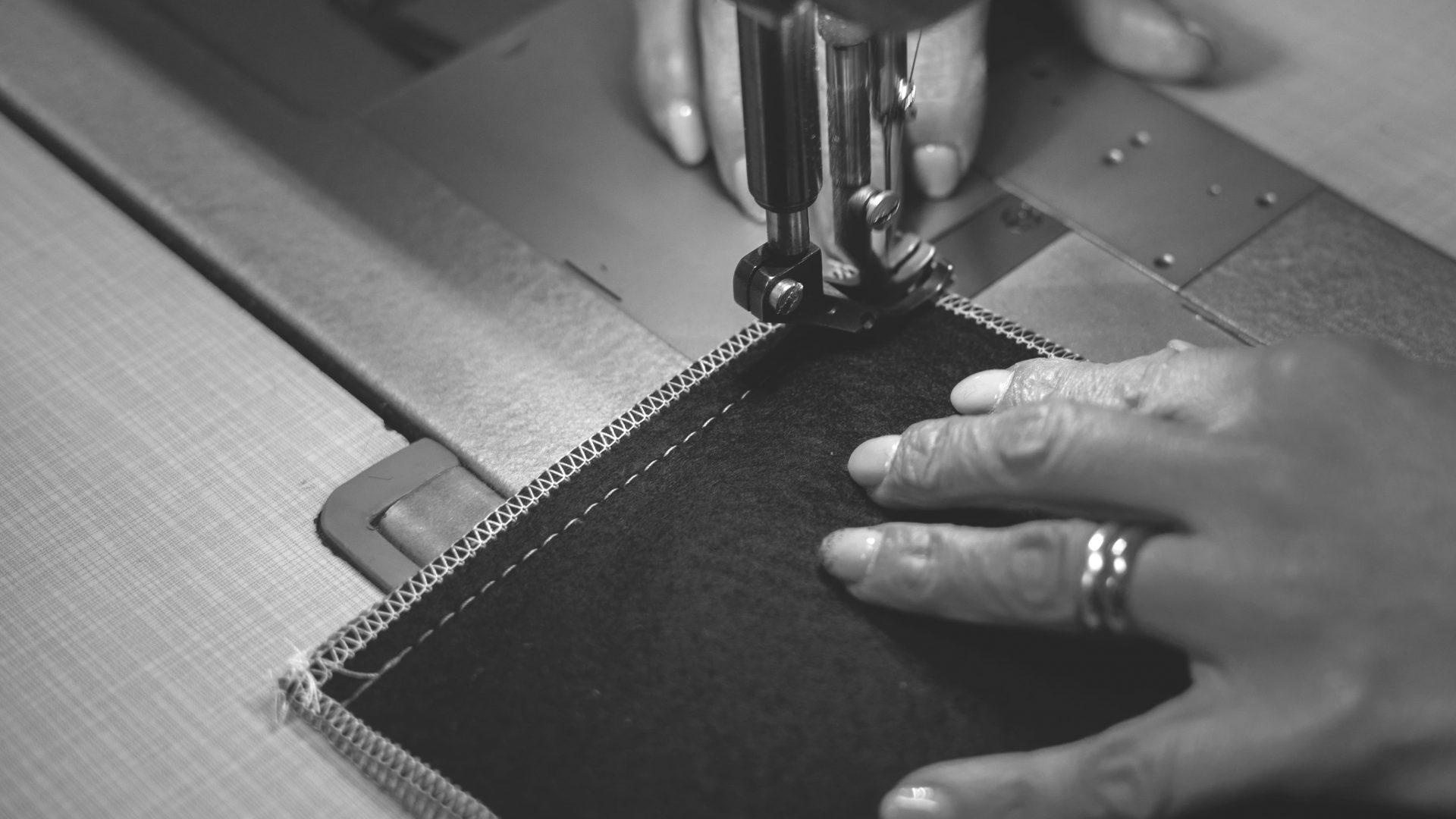 brenna salotti laboratorio divani artigianali fatti a mano 02